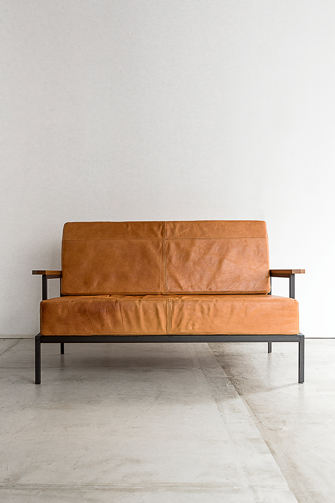 LEATHER SOFA 2S