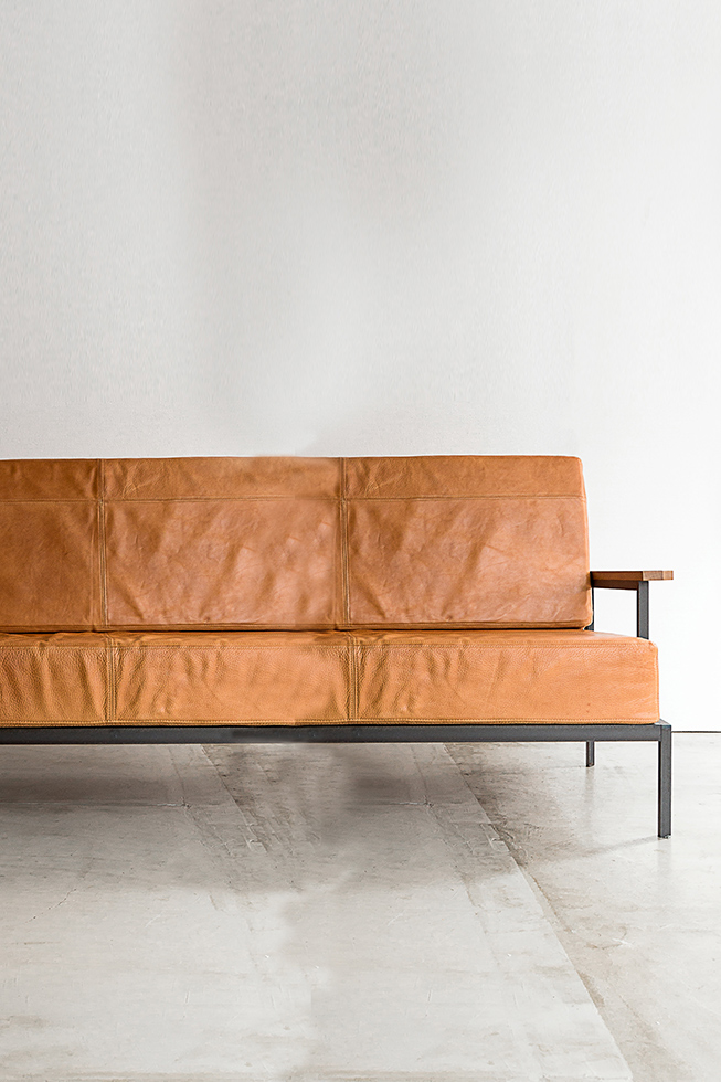 LEATHER SOFA 1S